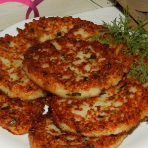 Оладьи рыбные с рисом и сыром