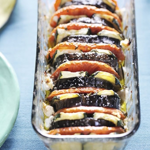 Вегетарианская кухня - Овощная запеканка с баклажанами и козьим сыром