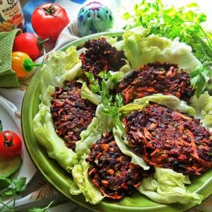 Салат - Овощные котлеты с печёнкой