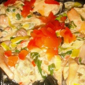 Шалфей - Паста Неро с морепродуктами под сливочным соусом
