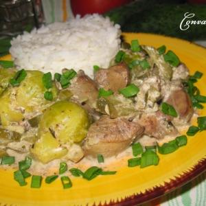 Рис - Печень с огурцами и брюссельской капустой