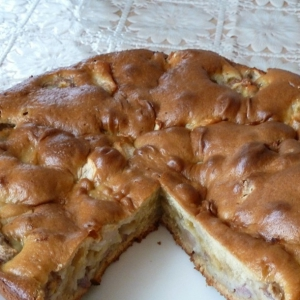 Пирог из бананов и яблок