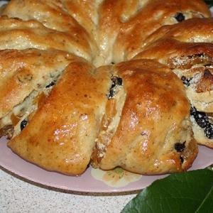 Фрукты - Пирог-рулет с миндалем и сухофруктами