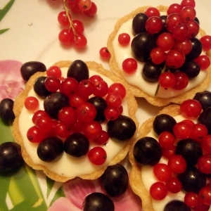 Ликер - Пирожное корзиночки Красное и Чёрное