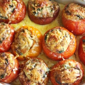 Рецепты из яиц - Помидоры фаршированные омлетом