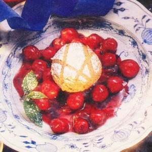 Пряничное суфле с вишней