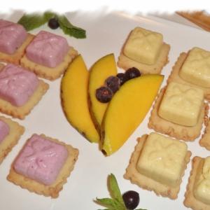 Манго - Птифуры со смородиновым и манговым суфле