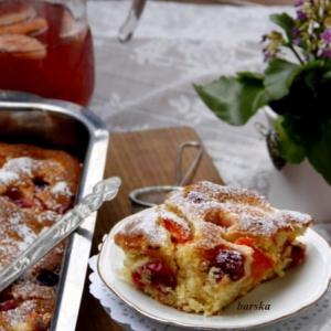 Персик - Пушистый пирог с абрикосами и крыжовником