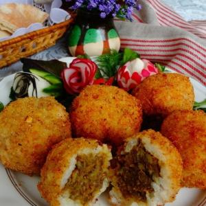 Капуста белокачанная - Рисовые шарики с чечевицей в миндале