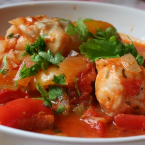 Рецепты балканской кухни - рыба тушеная с луком и сладким перцем