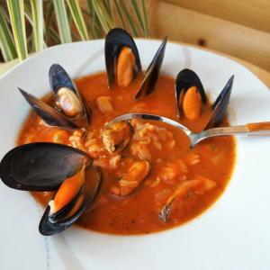 Рис - Рыбный суп с мидиями