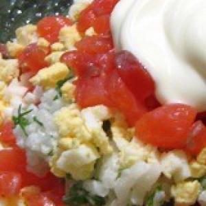 Рецепты норвежской кухни - Салат Форель под рисовой шубкой