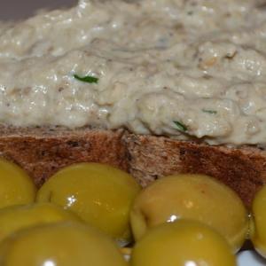 Открытые бутерброды - Баклажанная закуска хацилим