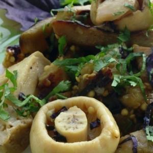Вегетарианская кухня - Салат из баклажанов с грибами