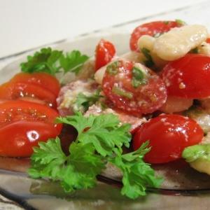 Анчоус - Салат из белой фасоли и помидоров