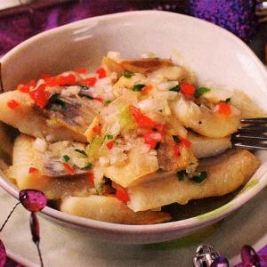 Салат из маринованной сельди