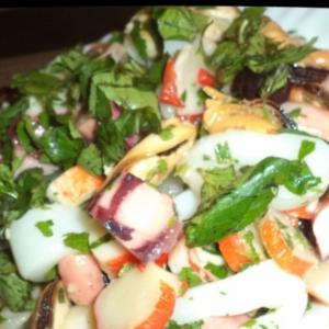 Рецепты средиземноморской кухни - Салат из морепродуктов