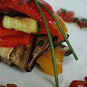 Виноград - Салат из овощей-гриль с томатной сальсой