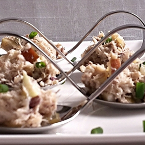 Салаты рыбные - Салат из скумбрии с яблоками
