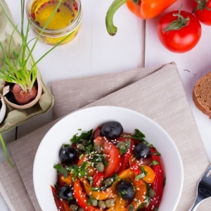 Каперсы - Салат из запеченных перцев