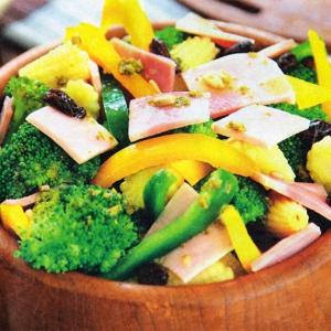 Кукуруза - Салат с брокколи и ветчиной