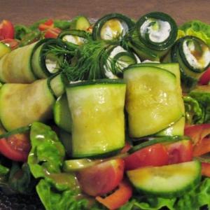Каперсы - Салат с фаршированными цуккини