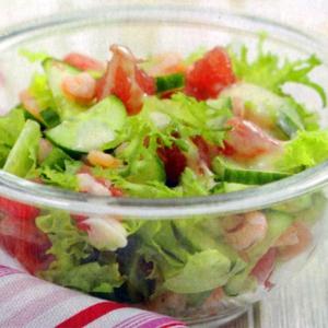 Салаты из морепродуктов - Салат с грейпфрутом креветками и огурцом