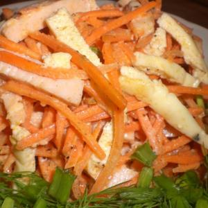 Морковь - Салат с куриной ветчиной и корейской морковью