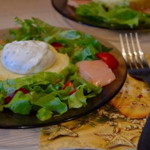 Салат - Салат с лососем и сырным суфле