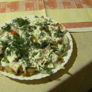 Опята - Салат с маринованными опятами и йогуртом