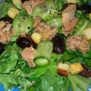 Лук зеленый - Салат с тунцом