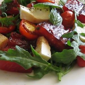 Лайм - Салат с жареным арбузом, брынзой, помидорами