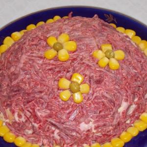 Кукуруза - Салат свекольный с кукурузой