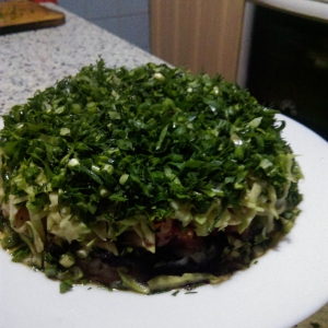Душица обыкновенная (орегано) - Салат-торт по мотивам японских роллов