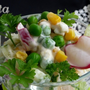 Кукуруза - Салат Весенний микс