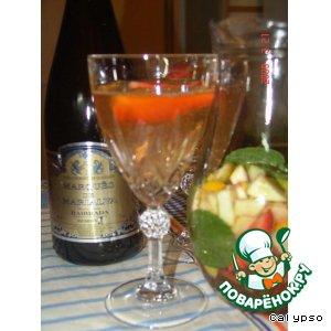 Рецепты португальской кухни - Сангрия из шампанского и клубники