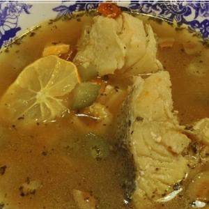 Каперсы - Селянка из рыбы на рыбном бульоне