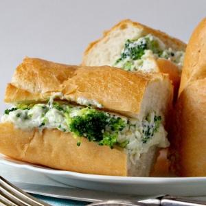Брокколи - Сендвич с брокколи и соусом Морне