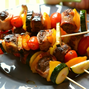 Сало - Шашлык из фарша с овощами