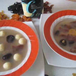 Курага - Сладкий суп с сухофруктами и ванильно-творожными клецками