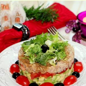 Горбуша - Слоеный салат Гости в домофоне