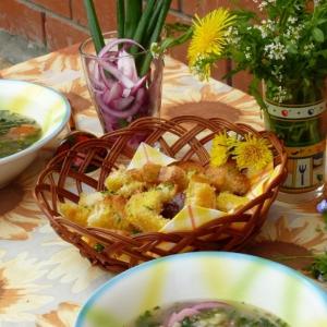 Крапива - Суп гречневый с крапивой и гренками