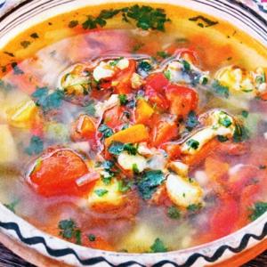 Рецепты супов - Суп гуляш с говядиной и клецками