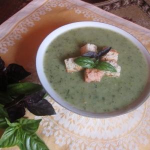 Вегетарианская кухня - Суп из цуккини с базиликом