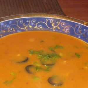 Рецепты из бобовых - Суп  из фасоли по-испански