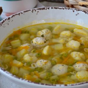 Мак - Суп с индюшиными фрикадельками Весенний