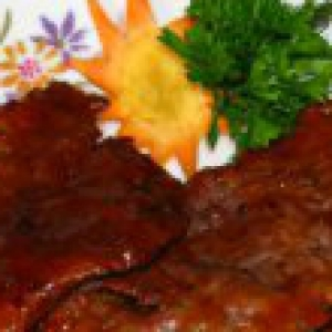 Рецепты болгарской кухни - Свиная шейка в остро-сладком соусе