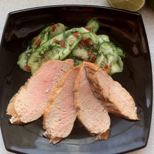 Лайм - Свиная вырезка с огуречным салатом