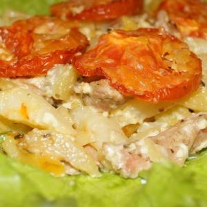 Свинина, запеченая  с картофелем и грибами