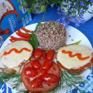 Перец черный - Свиной эскалоп с помидорами и сыром